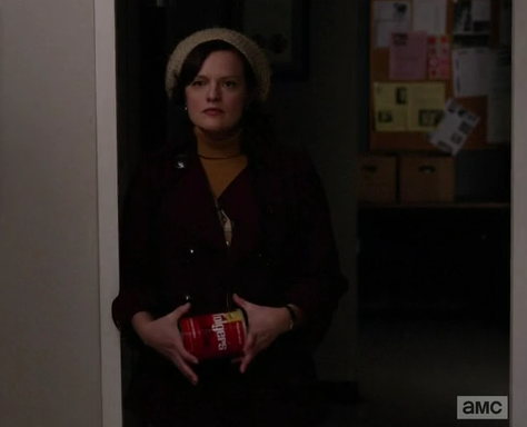 peggy segurando folgers teoria mad men